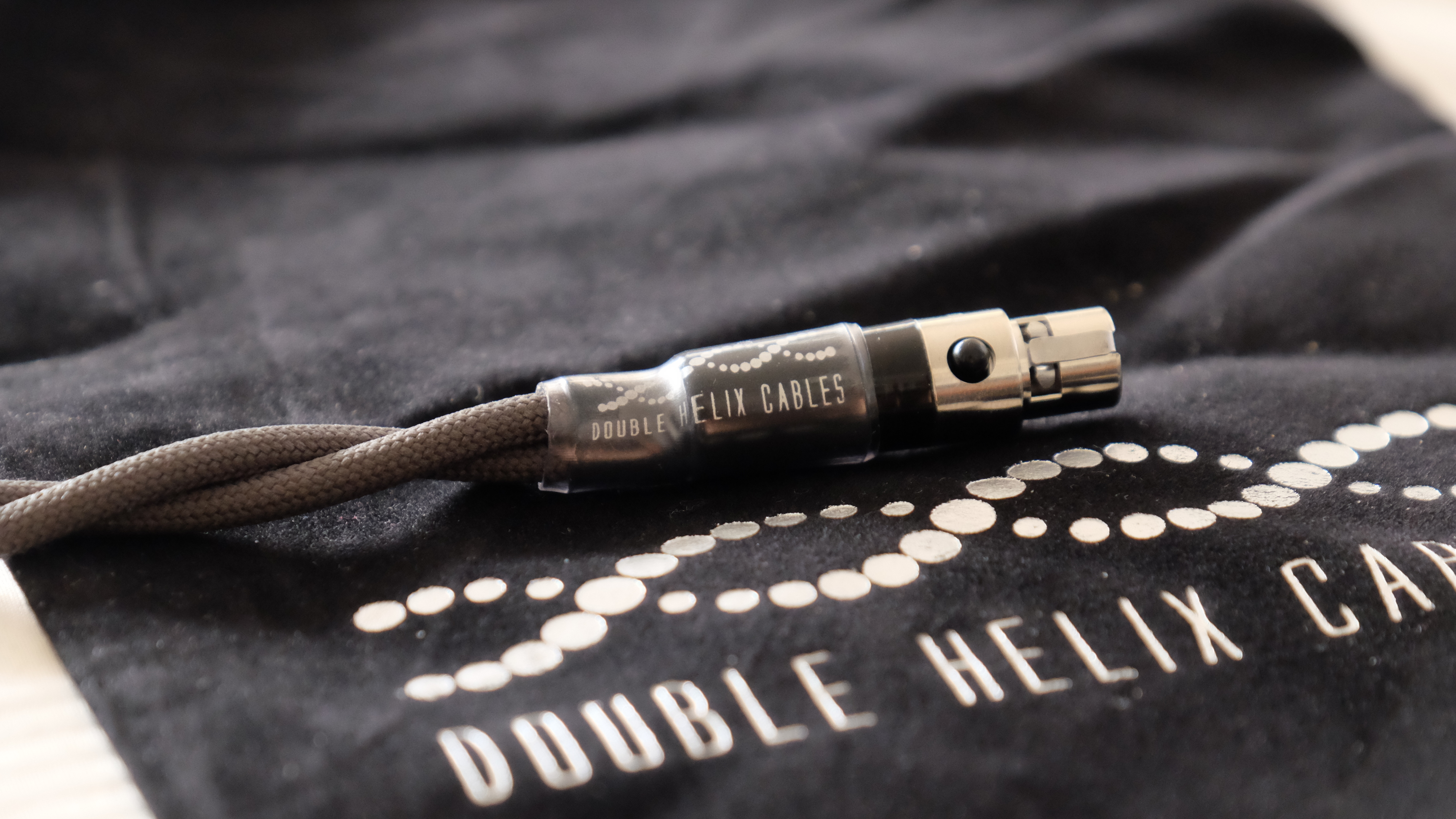 The Double Helix Cables Silver Complement4 – A Pristine Experience