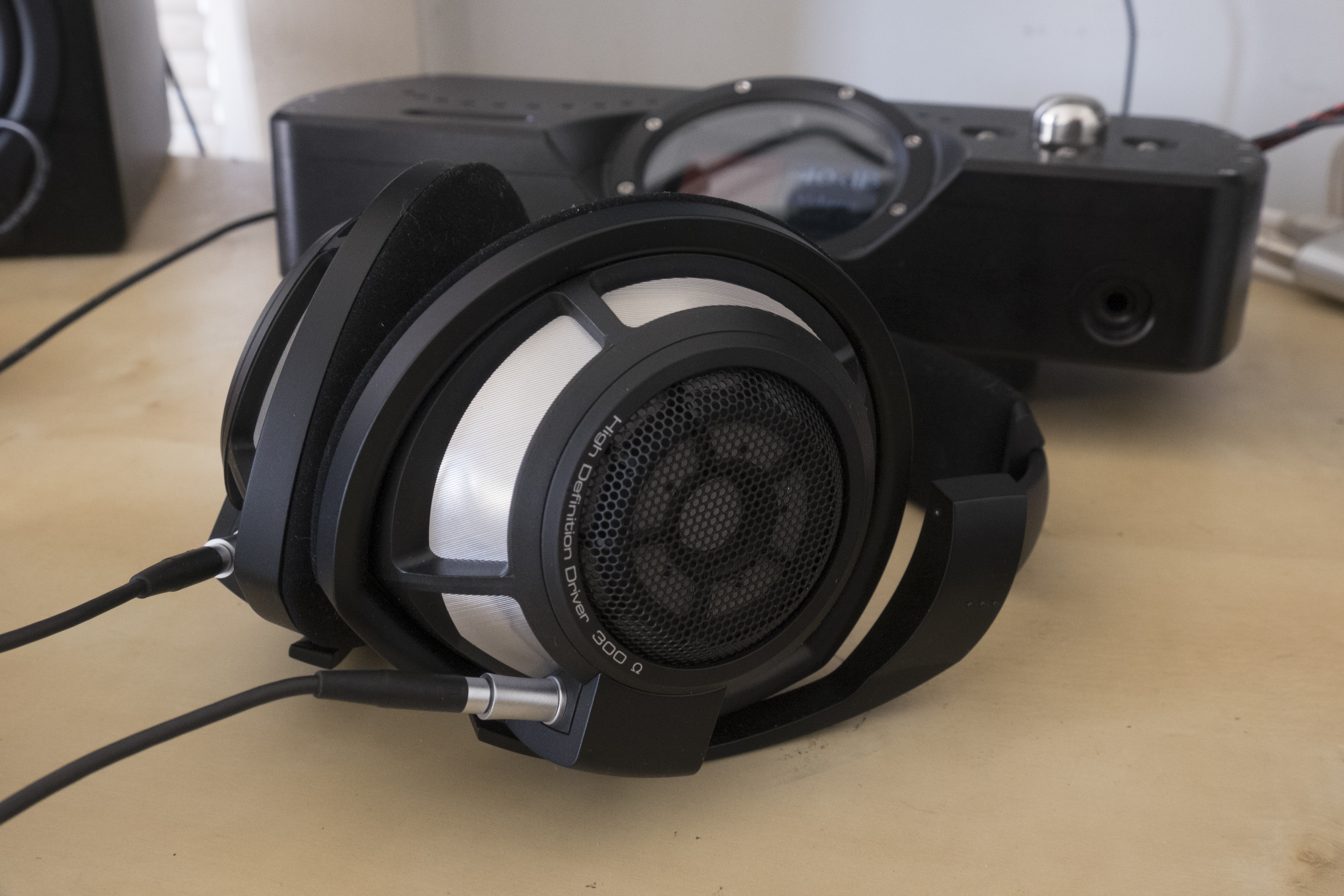 Sennheiser HD 800 S Review – A Pure, Smooth, and Balanced Headphone